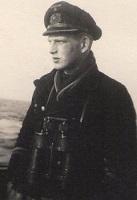 http://il2cg.il2sturmovik.net/KSDService/Site/Images/Captains/398.jpg